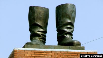 Проблема з пам'ятниками: від Коена до Бандери