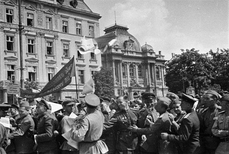 Як кінематографічний Карл Маркс не доїхав до Львова