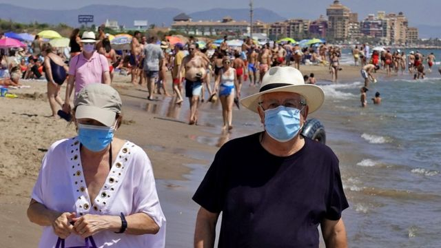 Covid-паспорти: хаос і туризм
