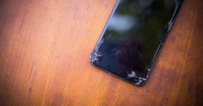 Кінець смартфонів із розбитими екранами?